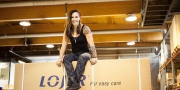 Eva Wahlström: Nyrkkeilyssä ja tuotemuotoiluissa on paljon samaa