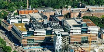 Lojer toimittaa sairaalasänkyjä uuteen Karoliiniseen sairaalaan